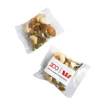 Trail Yoghurt Nut mix in 25g bag
