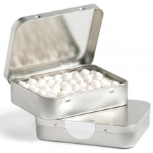 RECTANGLE HINGE TIN FILLLED WITH MINTS OR MUSKS 65G